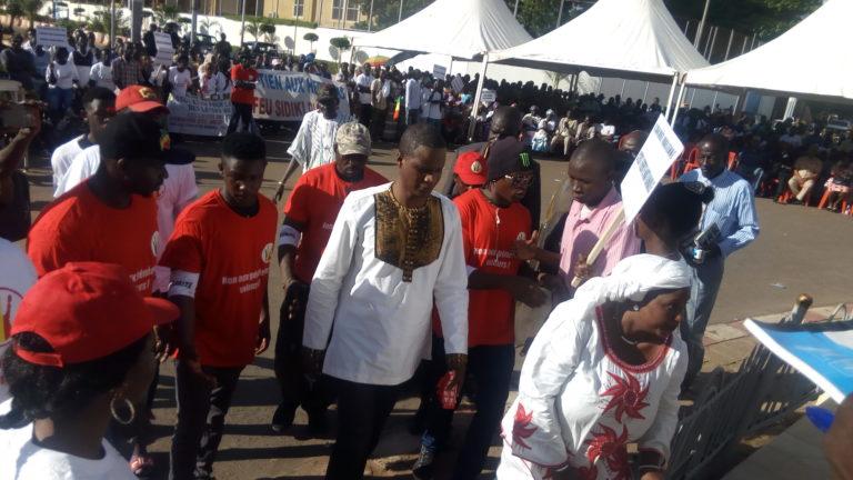 Soutien aux Forces armées Maliennes: la Plateforme de Lutte contre la Corruption et le Chômage clame  la Restitution de l'argent dépensé dans l'achat des avions militaires clouées au sol et l'arrestation de tous les acteurs y impliqués