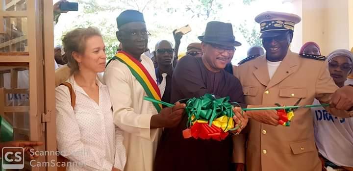 Segou: Le Ministre de l'Agriculture, M. Moulaye Ahmed Aboubacar inaugure un laboratoire de semence
