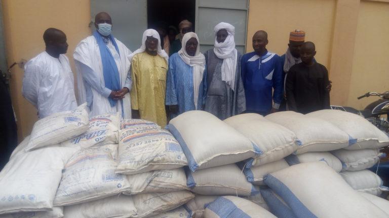 Moussa Mara dans la cité des Askia: la série de distribution de produits alimentaires continue pour le mois de ramadan