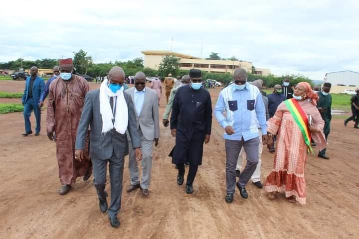 MESRS: Le Ministre Amadou Keïta en visite à la cité universitaire de Badalabougou