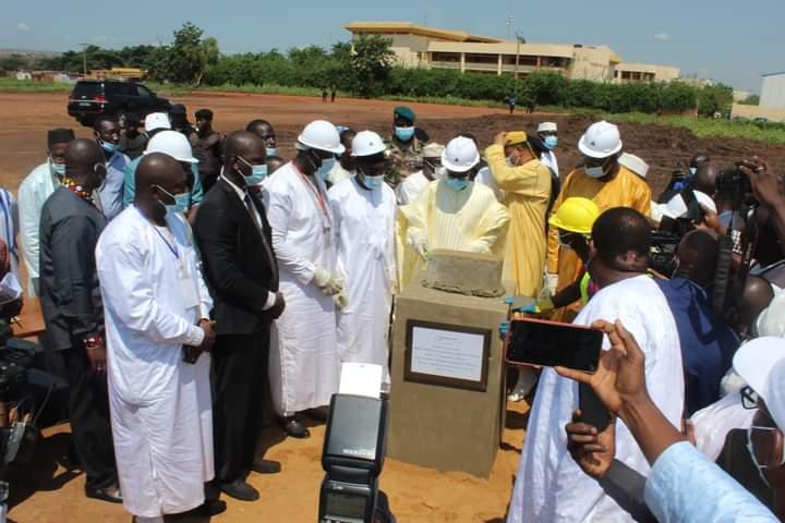 BIBLIOTHÈQUE UNIVERSITAIRE CENTRALE : La première pierre posée par le PM Choguel Kokalla Maiga
